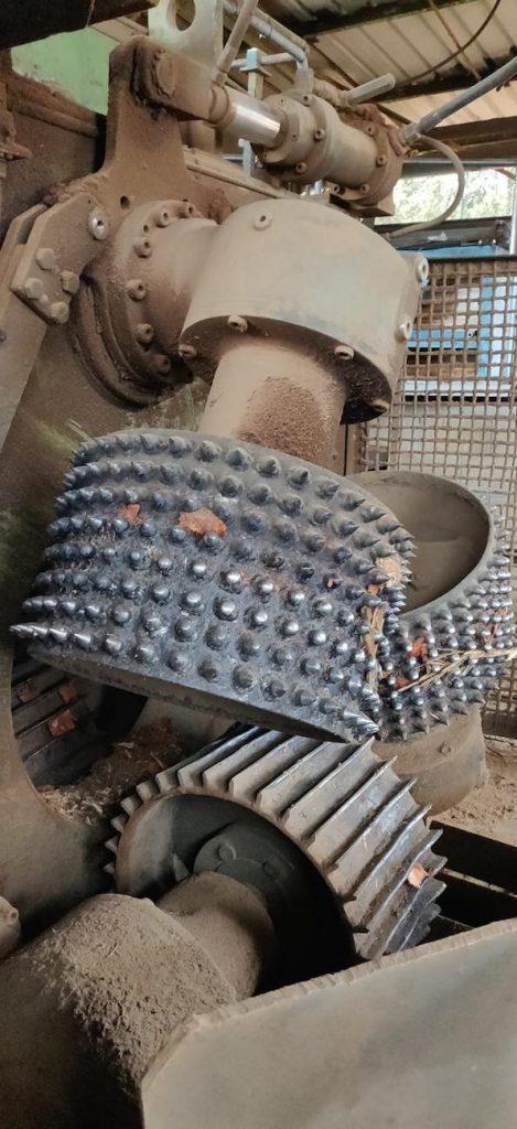Balonas neumáticas en máquinas para descortezado de troncos